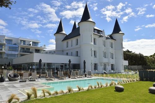 . Relais Thalasso Château des Tourelles