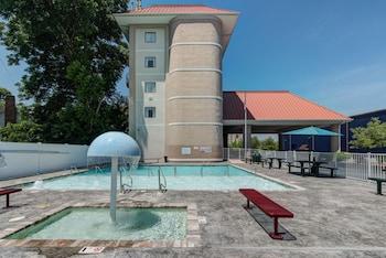 Hotel - River Bend Inn