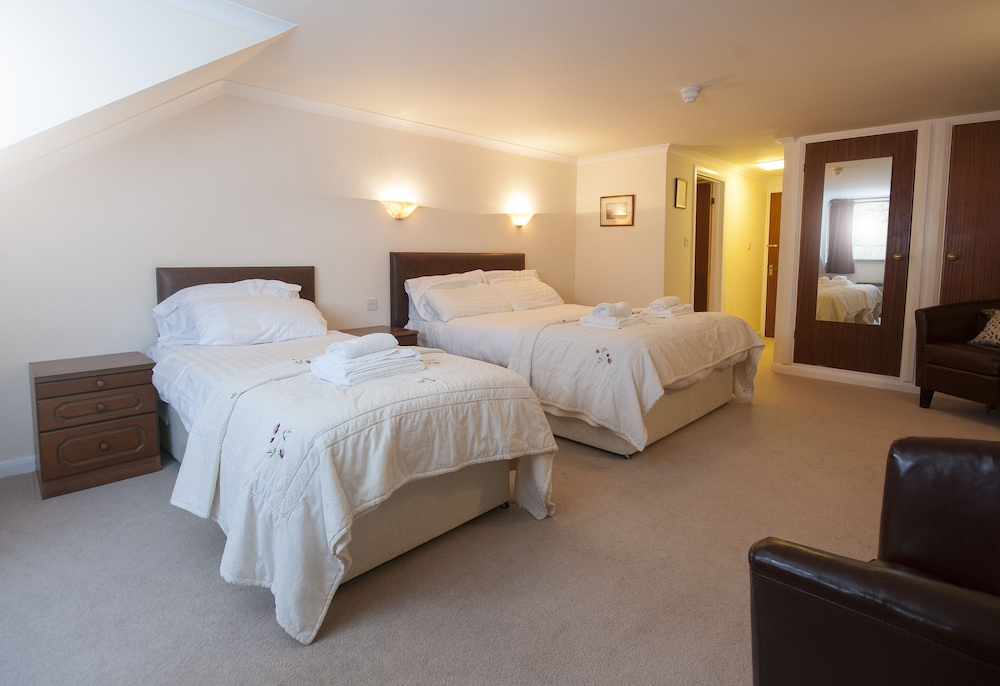 Trewern Arms Hotel, Pembrokeshire