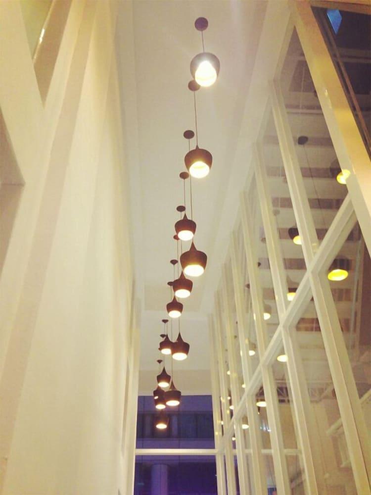 レッド レジデンス ホテル高雄 (高雄紅舍客棧旅店)