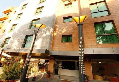 Hotel Le Noble, El Metn