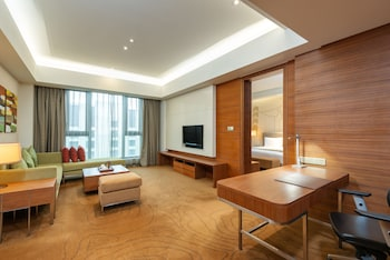 Superior Suite (Holiday Inn)