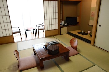 RYOKAN KYO-NO-YADO KAGIHEI Featured Image