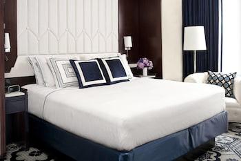 Guestroom at Residence Inn New York Manhattan/Central Park in New York