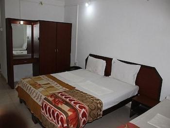 Standard Triple Room (NON AC)