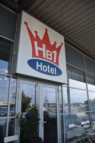 . HB1 Budget Hotel - contactless check in
