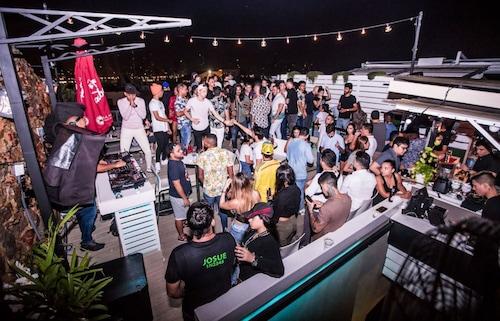. Gatto Blanco Party Hotel