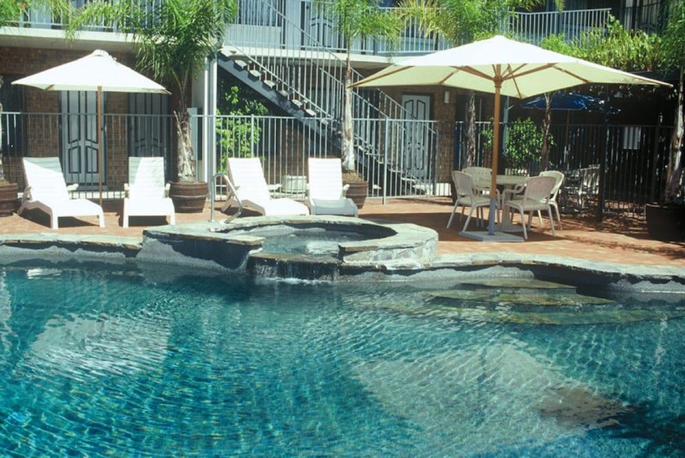 이비스 스타일스 애들레이드 매너(ibis Styles Adelaide Manor) Hotel Image 2 - Pool