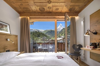 Deluxe Double Room, 2 Twin Beds, Mountain View