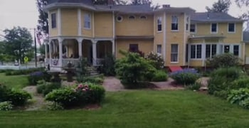 Lily House Bed and Breakfast photo