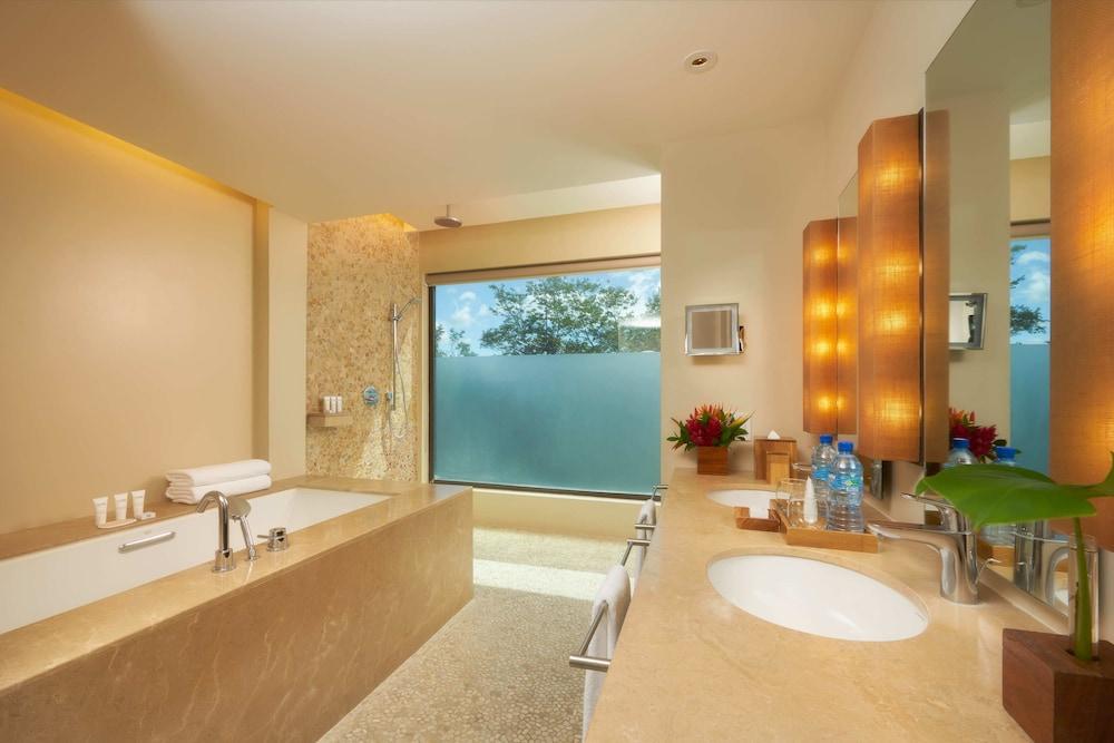 https://i.travelapi.com/hotels/7000000/6480000/6476700/6476638/119502fc_z.jpg