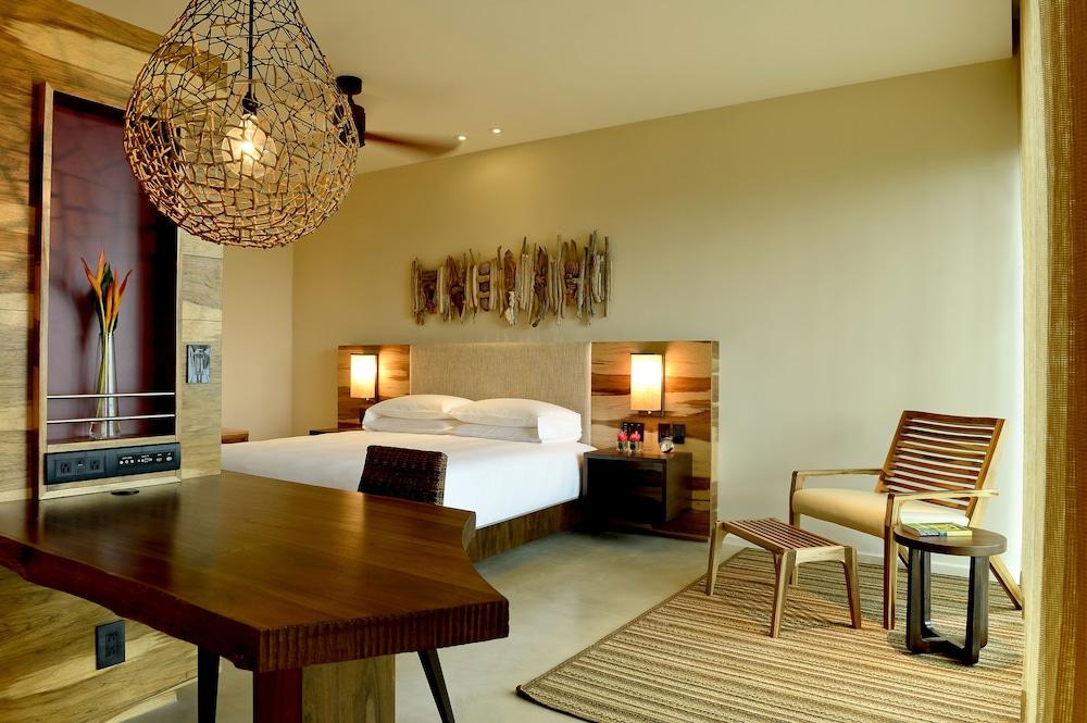 https://i.travelapi.com/hotels/7000000/6480000/6476700/6476638/62c4e752_z.jpg