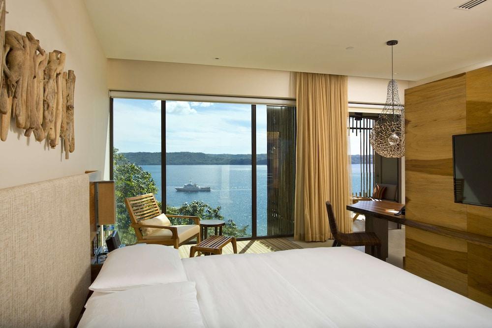 https://i.travelapi.com/hotels/7000000/6480000/6476700/6476638/b7d53cca_z.jpg