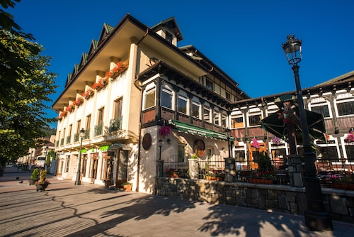 . Hotel Bucegi