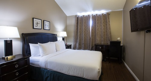 Capital Suites Yellowknife, Fort Smith