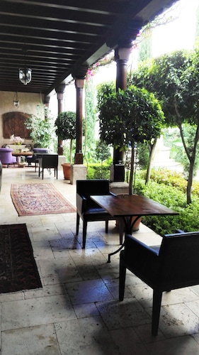 San Rafael Hotel, Antigua Guatemala