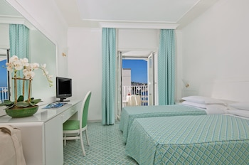 Superior Double Room, Partial Sea View