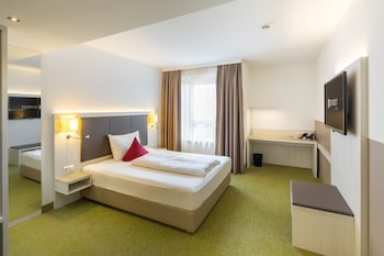 Deluxe Double Room (Disability, with Air Conditioning)