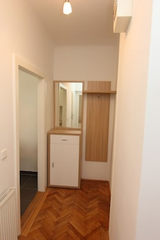 CheckVienna – Apartment Kroellgasse