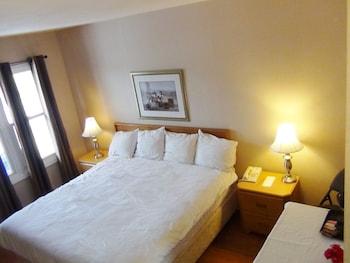 Basic Single Room, 1 Double Bed, Smoking