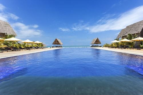 . Maalu Maalu Resort & Spa