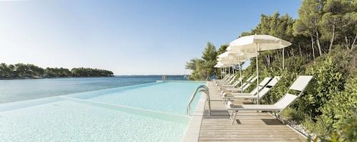 . Crvena Luka Resort