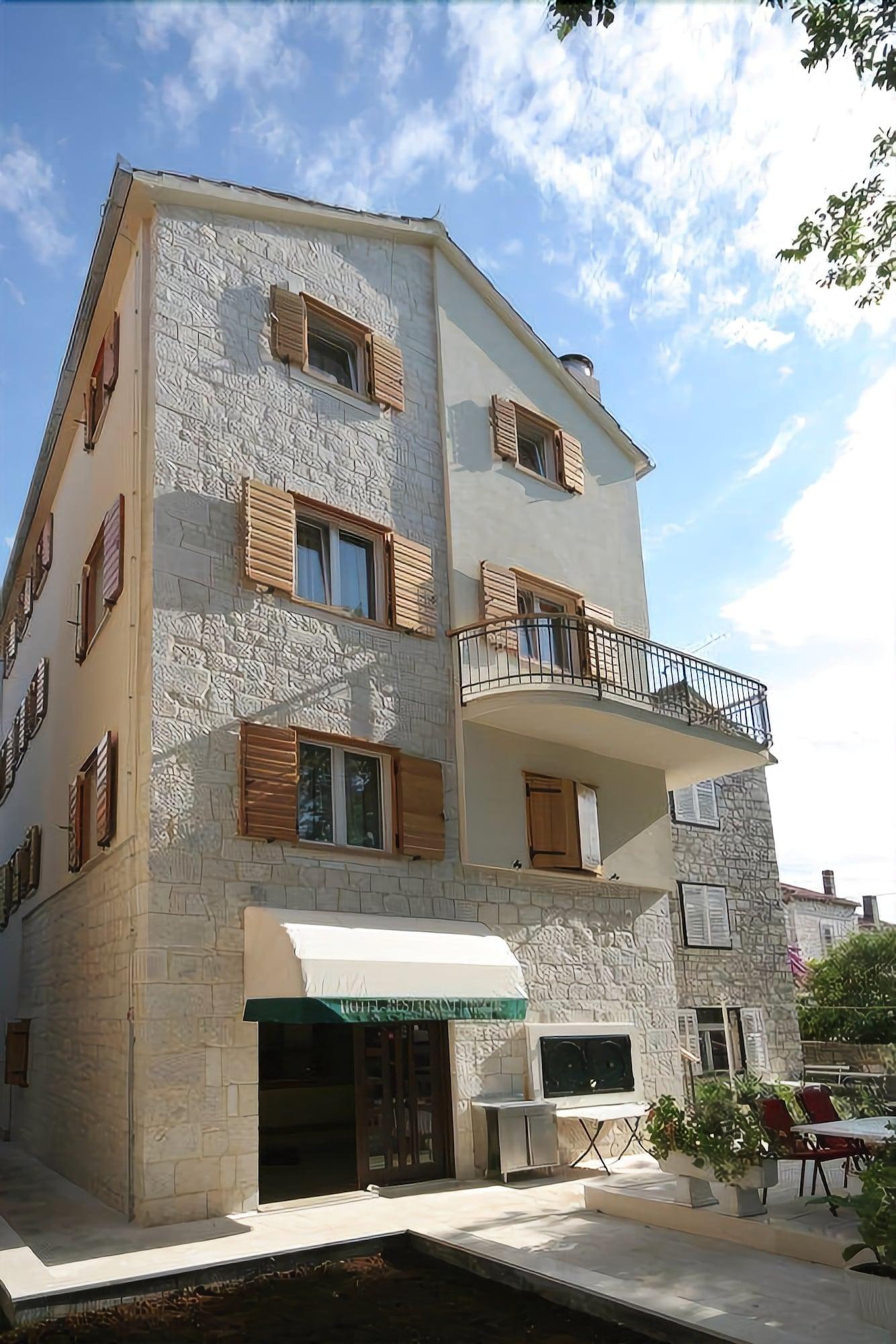 Hotel Trogirski Dvori, Trogir