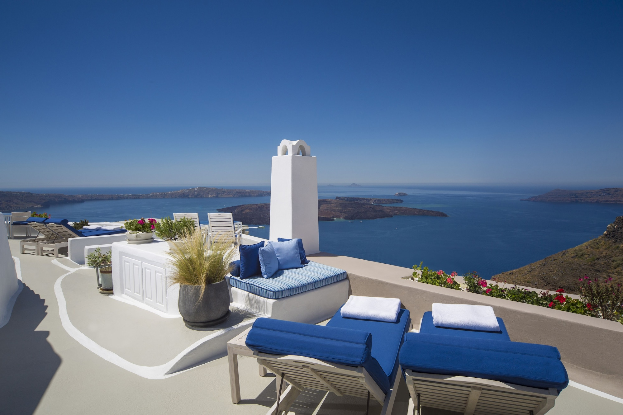 Suite (Cycladic)