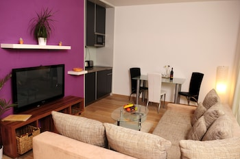 Apartment, 1 Bedroom, Balcony (718, Twin Beds, No Special View)