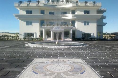 . Hotel The Queen