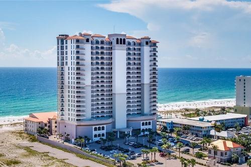 . Beach Club Resort Residence and Spa