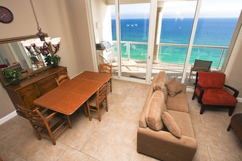 Condo, 3 Bedrooms (Gulf Front, Beach Chairs Included)