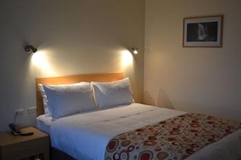 威拿士旅館 Wellers Inn