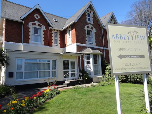 . Abbey View Holiday Flats