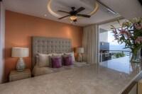 1 Bed Ocean Front Corner Suite