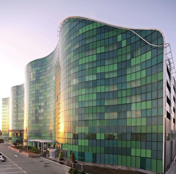 Hotel - Hilton Capital Grand Abu Dhabi