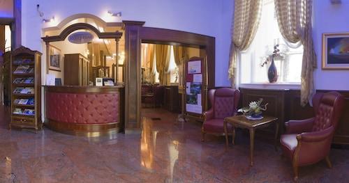 __{offers.Best_flights}__ Hotel President Split