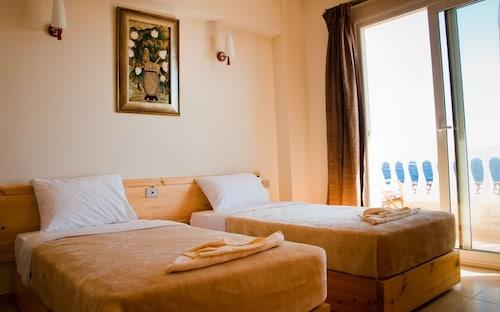 Dahab Hotel, Sant Katrin