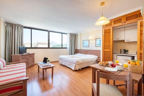 . Apartamentos Carlos V