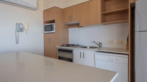 Inn on the Park Apartments, Toowong