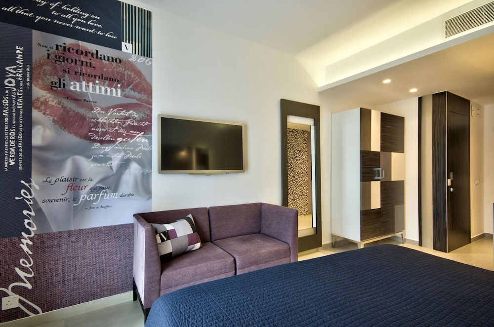 https://i.travelapi.com/hotels/7000000/6580000/6571900/6571840/974ca19b_z.jpg