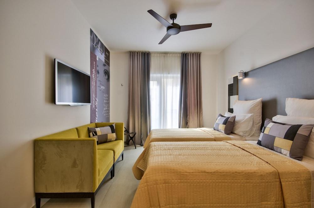 https://i.travelapi.com/hotels/7000000/6580000/6571900/6571840/e43c3f6a_z.jpg