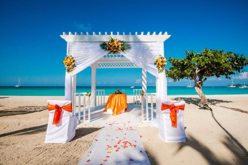 Azul Beach Resort Negril By Karisma Gourmet All Inclusive Restaurant Outdoor Wedding Area