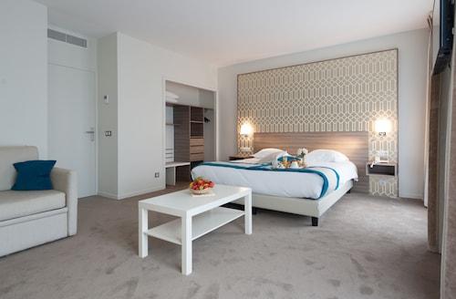 . Hotel Radiana