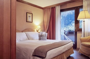 Comfort double room, access to Pré-Saint Didier thermal spa