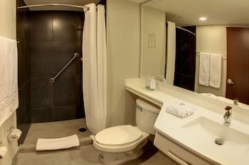 City Express Suites Santa Fe - Bathroom  - #0