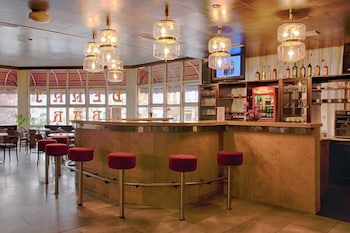 Hotel Merkur - Hotel Bar  - #0