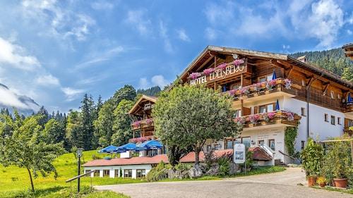 . Berg- und Aktivhotel Edelsberg