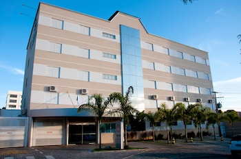 萊亞利飯店 Roari Hotel