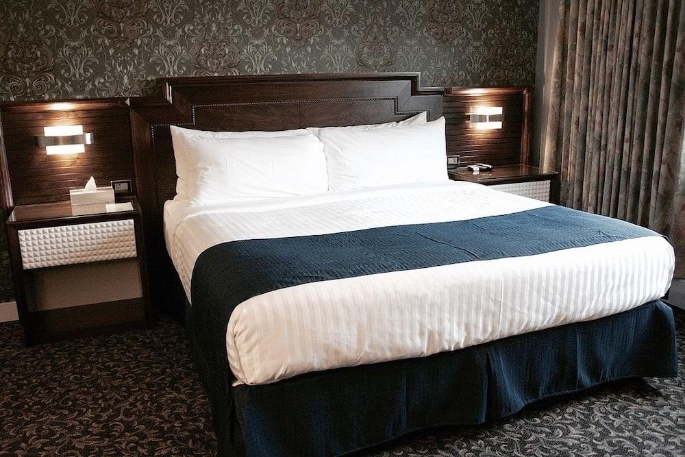 ザ デラックス ホテル バンクーバー